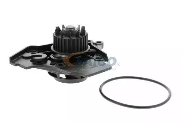 V10-50072 - Water pump